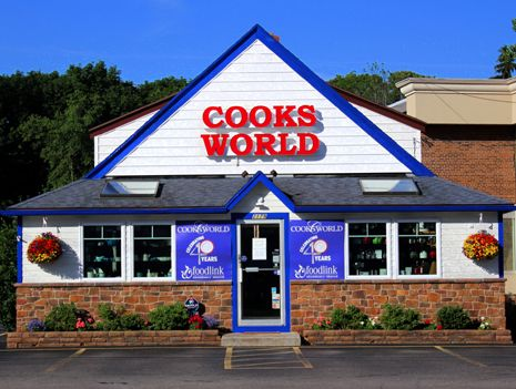 A photo of the front entrance of Cooks' World the store.